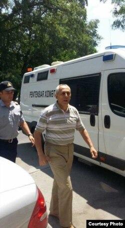 Füzuli Hüseynov 10 sutkalıq həbs cəzası aldı