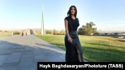 Армян тектүү, америкалык тележылдыз Ким Кардашьян, Ереван, 8-октябрь 2019-жыл.