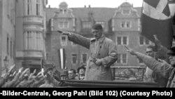 Адольф Гитлер. Фото Георг Пал (Федеральный архив Германии)