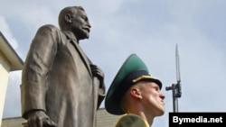 Больше года назад по инициативе Виктора Доркина подмосковный город приютил копию статуи Железного Феликса, стоявшего на Лубянке