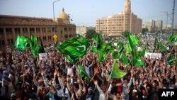 Пәкістан мұсылмандары исламға қарсы фильмге наразылық танытып тұр. Карачи, 19 қыркүйек 2012 жыл.