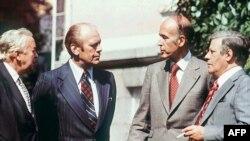 Британский премьер-министр Гарольд Вильсон, президент США Джеральд Форд, президент Франции Валери Жискар д'Эстен и канцлер Германии Гельмут Шмидт. Хельсинки, 30 июля 1975 года.