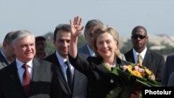 Прибытие госсекретаря США Хиллари Клинтон в Ереван, 4 июля 2010 г.