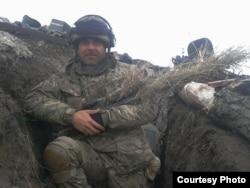 Олексій «Сом» під ДАПом, боєць ЗСУ. Перші числа листопада 2014 року