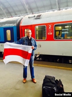 Ales Mikhalevich on his way to Belarus