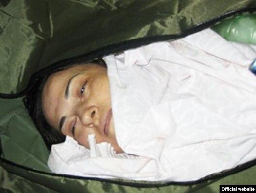 هاله سحابی روز چهارشنبه در مراسم خاکسپاری پدرش در لواسان جان باخت.