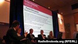 Представники телерадіомовних компаній BBC, BSkyB та Viacom обговорювали у Лондоні способи отримання прибутків індустрією в нових умовах ринку