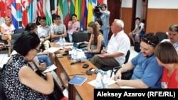 В Союзе журналистов обсуждают проект кодекса профессиональной этики. Алматы, 23 августа 2012 года.