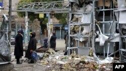 Ուկրաինա - Դոնեցկի օդանավակայանի մերձակայքում գտնվող Կույբիշև բնակավայրի ավերված շուկան, հոկտեմբեր, 2014թ․