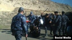 Nagorno-Karabakh - Police beat up opposition activists from Yerevan attempting to enter Karabakh 31Jan2015.