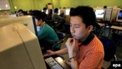 Китайское правительство все жестче контролирует доступ населения к интернету