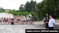 В лагере «Орленок» под Феодосией полицейские рассказали детям о понятиях «экстремизм» и «терроризм»