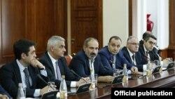 Премьер-министр Армении Никол Пашинян в Санкт-Петербурге встречается с армянскими бизнесменами, 26 июля 2018 г․