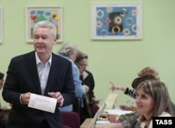Сергей Собянин голосует на выборах мэра Москвы, 8 сентября 2013 года