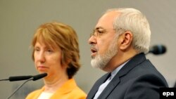 محمدجواد ظریف، وزیر امور خارجه ایران، و کاترین اشتون، مسئول سیاست خارجی اتحادیه اروپا