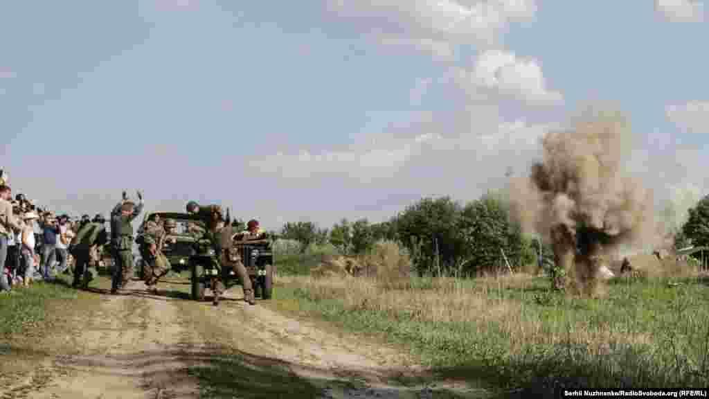 Армію союзників починає обстрілювати артилерія Вермахту