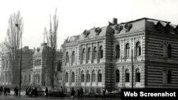 Vedere a vechiului spital Brîncovenesc