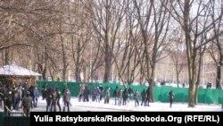 Тітушки на подвір'ї Дніпропетровської обладміністрації, 26 січня 2014 року
