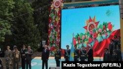 Отан қорғаушы күні және әскерге шақырылушы күніне арналған шаралардың ашылу салтанаты. Алматы, 7 мамыр 2015 жыл.
