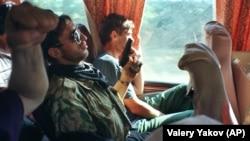 Чеченец с заложником на пути в Хасавьюрт, 20 июя 1995 года
