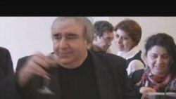 Ramiz Rövşən Söz haqqında şeirini deyir