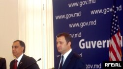 Ambasadorul Asif Chaudhry și premierul Vlad Filat