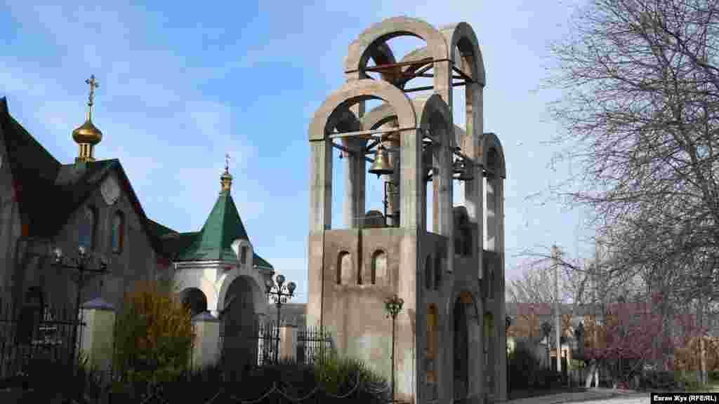 Дзвіниця святих апостолів. Згідно з проєктом, вона буде прикрашена мозаїчними іконами 12 апостолів