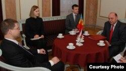 Ambasadorul la Riga Alexei Cracan