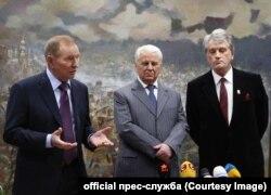 Леонид Кучма, Леонид Кравчук и Виктор Ющенко делают совместное заявление