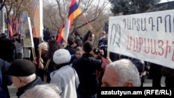 Armenia - Protest action in front of Armenian President's residence, against Armenia's joining Customs Union, Yerevan,26Nov,2013