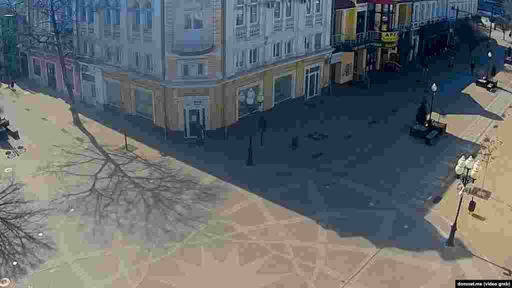 Центр Симферополя. Перекресток улиц Пушкина и Карла Маркса