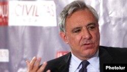 Armenia -- Former Foreign Minister Vartan Oskanian.