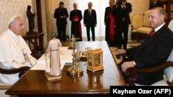 Папа Франциск и президент Турции Реджеп Тайип Эрдоган во время встречи, 5 февраля 2018 года
