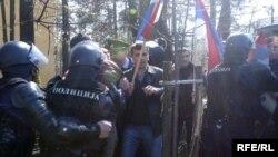 Sukob ratnih invalida sa policijom tokom protesta u Banjaluci, 26. marta 2008, Foto: Milorad Milojević