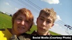 Илья с мамой, Викторией Александровной