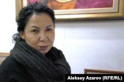 Рысбек Ахметов атындағы галерея директоры Эльмира Ахметова. Алматы, 13 ақпан 2013 жыл.