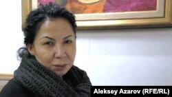Эльмира Ахметова – директор галереи имени Рысбека Ахметова. Алматы, 13 февраля 2013 года.