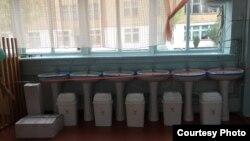Сузак районундагы Шамшиев атындагы орто мектепке берилген кол жуучу каражаттар. 30-сентябрь, 2020-жыл.