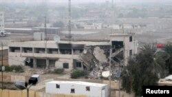 Разрушенное здание мэрии в Фаллудже, 3 января 2014