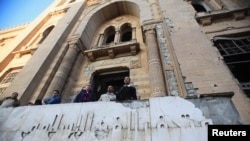 واجهة متحف الفن الاسلامي في القاهرة تضررت بعد تفجير سيارة مفخخة 24 كانون الثاني 2014
