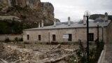 Zıncırlı medrese: Şarqiy Avropanıñ eñ eski oquv yurtlarından biri   Tuğra (video)
