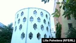 Дом Константина Мельникова с шестигранными окнами. Архитектор экспериментировал с объемами и светом