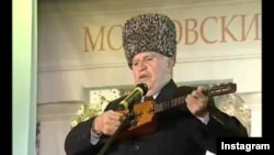 Нохчийн халкъан иллиалархо Дагаев Валид.