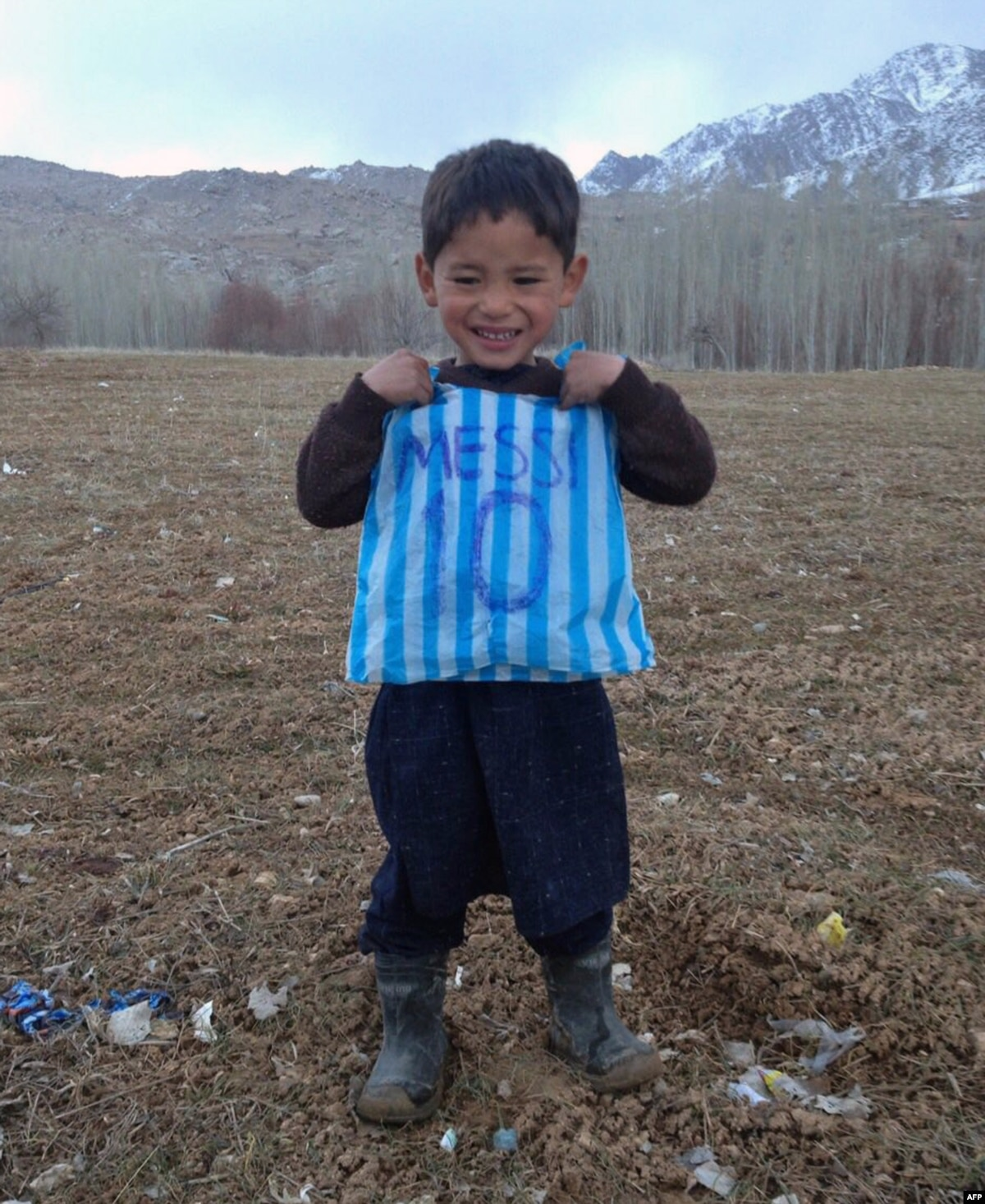 f1ac173e1 Family Of Afghan Boy Of  Messi  Fame Live In Fear