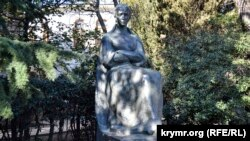 Пам'ятник Лесі Українці в Ялті