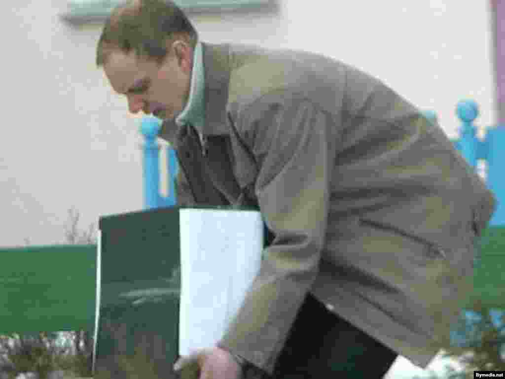 Изъятие документов из офиса радиостанции «Рацыя», Минск, 27 марта 2008