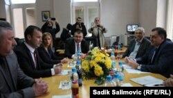 Delegacija RS na čelu sa Miloradom Dodikom u Srebrenici na sastanku sa Mladenom Grujičićem