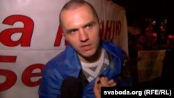 Станіслаў Паўлінковіч падчас акцыі «За мірную Беларусь»