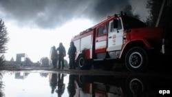 Пожежники біля нафтобази на Київщині, 9 червня 2015 року