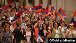Nagorno-Karabakh - Residents of Stepanakert mark the 25th anniversary of Karabakh's declaration of independence from Azerbaijan, 2Sep2016.